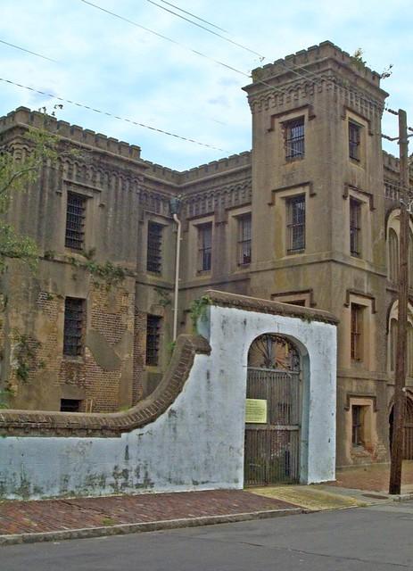 the old city jail in charleston, south carolina